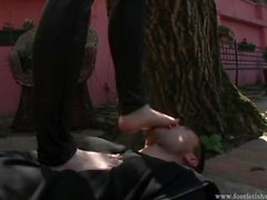 kink european foot-fetish foot-worship slave