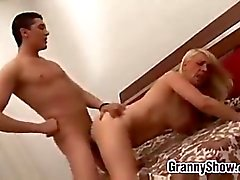 casal sexo oral maduro avó