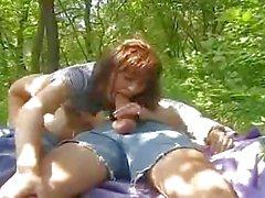brunettes hardcore nudité en public étudiante triplettes