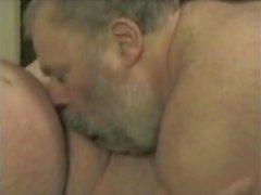 gay bears blowjobs daddies chubby