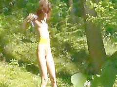 morena dedilhado ao ar livre