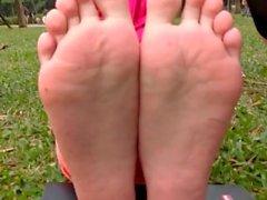 esperanza gomez nyomi marc banxx asiatisch fußsohlen cute- toes - brillenkamera ebenholz
