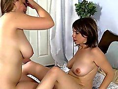 lesbians milfs
