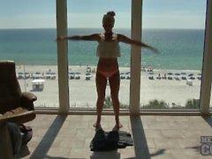 nebraskacoeds burlas adolescente joven yoga
