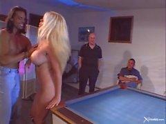 большая задница черный большой блондинка