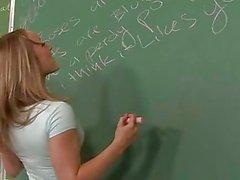 pijpbeurt klas naakte schoolmeisjes