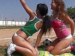 öpme lezbiyen lezbiyen yalama lezbiyen porno videoları lezbiyen seks film