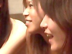 asiatisch blowjob brünett gangbang gruppen-sex