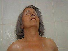 ikäinen kylpyhuone mummi mummon seksiä