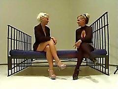 bdsm femdom látex lesbianas