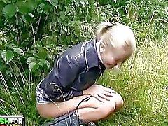 amateur outdoor pissing teen