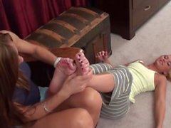 kink tickle tickle-torture tickle-feet fetish