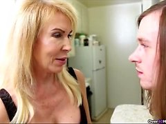 blondine handjob unterwäsche reifen