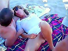 plage français cames cachées nudité en public voyeur