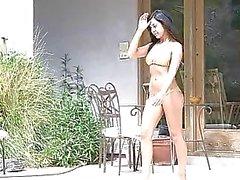 babes bikini clitoris contracties vingerzetting