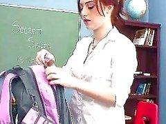 pijpbeurt klas naakte schoolmeisjes schoolmeisje poesje