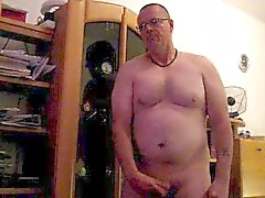 mature amateur chubby solo male