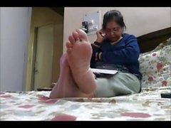 mature-feet indian-feet old