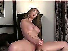 big boobs brünett handjob milf