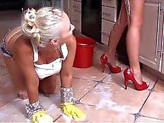 blondjes lesbiennes seksspeeltjes strapon