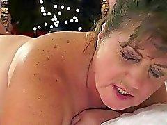 yaşlı bbw oral seks