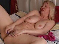 amateur blondes masturbation milfs