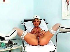 blond en gros plan masturbation mature solo