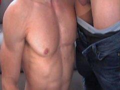 подросток мышцы мускулистый минет сосать анальный поп ебать обратное