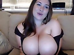 big boobs brünett masturbation solo