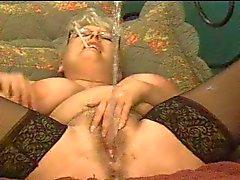 grote borsten seksspeeltjes spuitende