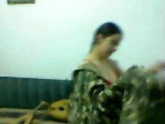 grote borsten indisch tieten