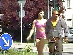 morenas engraçado nudez em público voyeur