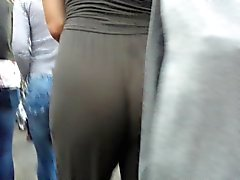 Hot white ass loose pants jiggle!