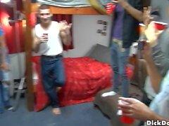 колледж мальчиков комнату в общежитии мальчиков братства братства секса гей