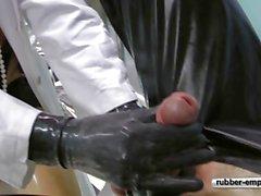 femdom gapende latex