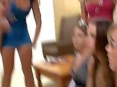 college universitarie ragazza sulla ragazza atti di nonnismo hot lesbo porno