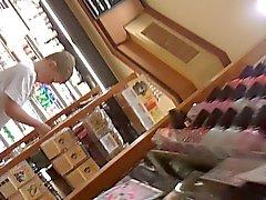 hidden cams milfs upskirts
