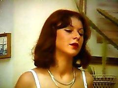 cabello negro rubia mamada caucásico