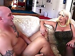 big boobs blondine blowjob brünett fingersatz