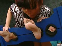 female-friendly kink feet-worship for women feet