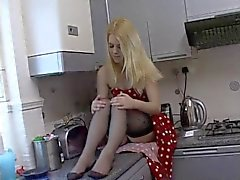 amateur blondes british