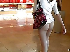 babes flashing in public girl flashing