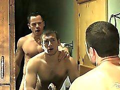без седла гей гей гей мышцы геев