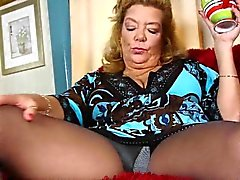 brunette hd masturbation mature nylon