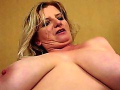 big boobs blondine fingersatz