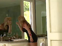 couple blonde sarah vandella
