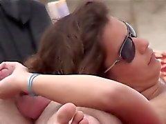 amateur plage handjobs nudité en public