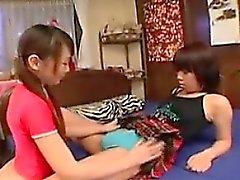 amateur asiático digitación peludo lesbiana