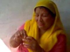 indisch bhabhi naakt tieten