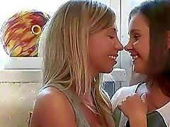 girl on girl kissing lesbian